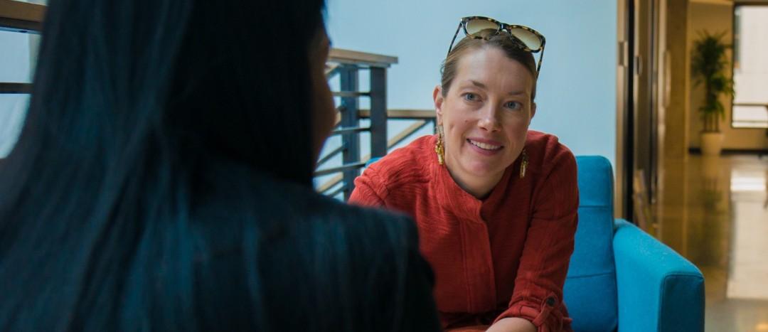 Elizabeth in mentor meeting-crop